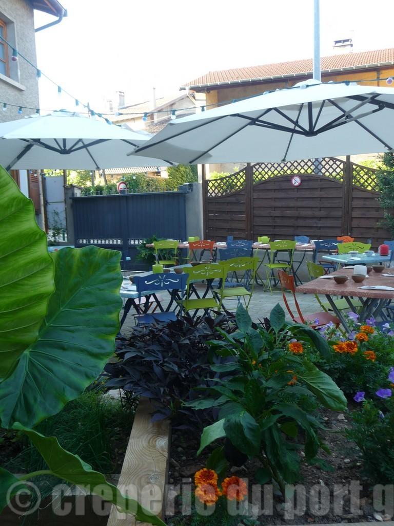Terrasse restaurant c t jardin - Restaurant terrasse jardin grenoble mulhouse ...